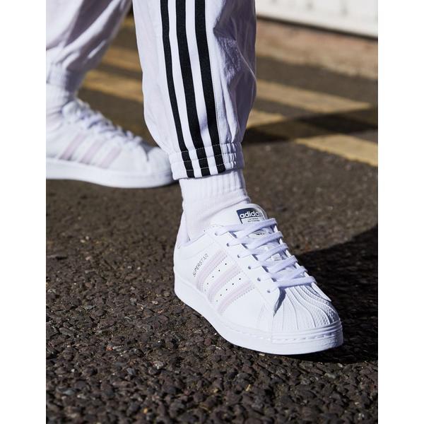 アディダスオリジナルス レディース スニーカー シューズ adidas Originals Next Gen Superstar sneaker in white and lilac White
