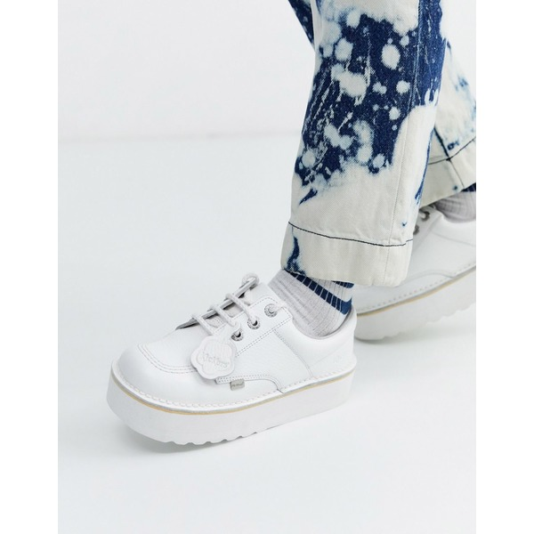 キッカーズ レディース スニーカー シューズ Kickers low-stack leather shoes in white White/metallic