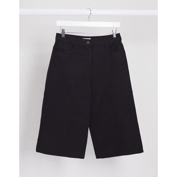 ウィークデイ レディース カジュアルパンツ ボトムス Weekday Rue organic cotton longline shorts in washed black Black