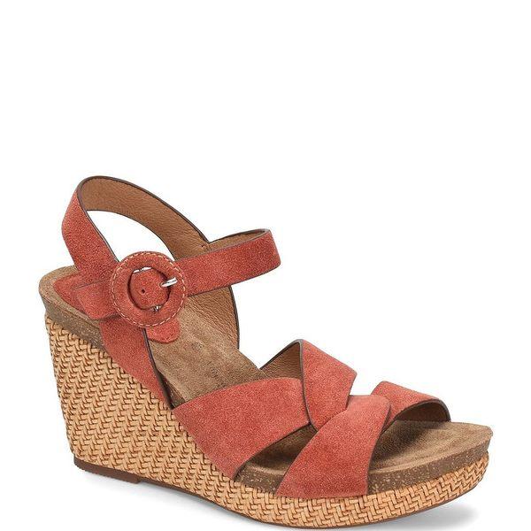 ソフト レディース サンダル シューズ Casidy Adjustable Buckle Suede Wedge Sandals Coral