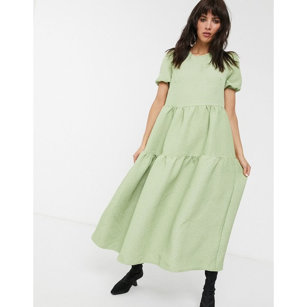 グラマラス レディース ワンピース トップス Glamorous tiered maxi smock dress in quilted fabric Sage