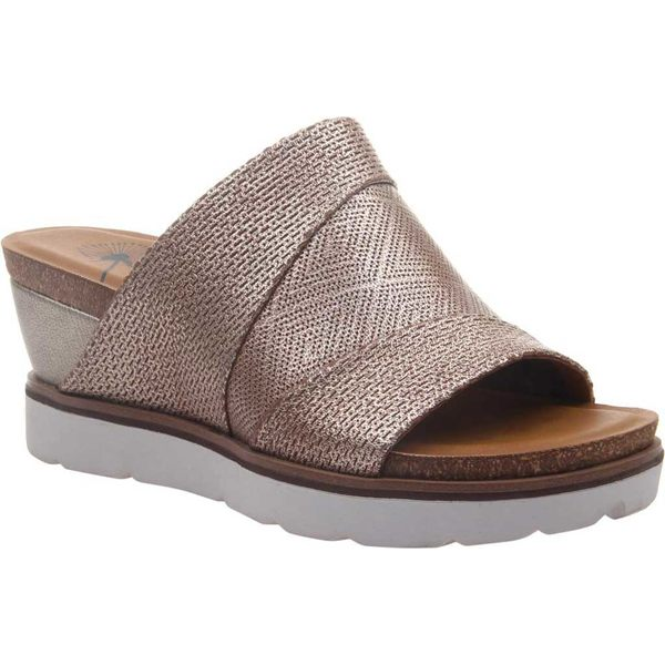 オーティービーティー レディース サンダル シューズ Earthshine Wedge Slide Light Gold Metallic Perforated Leather
