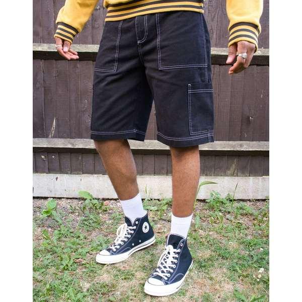 キッカーズ メンズ カジュアルパンツ ボトムス Kickers drill shorts with utility pockets in black Black