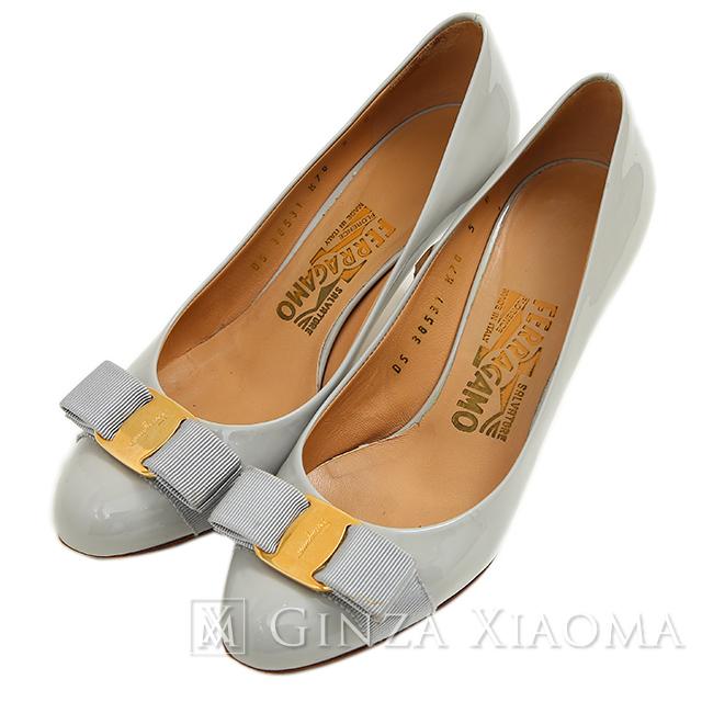 Salvatore Ferragamo サルヴァトーレ フェラガモ Vara ヴァラ リボン ヒール パンプス グレーベージュ 5(日本サイズ22cm相当) 靴:GINZA XIAOMA
