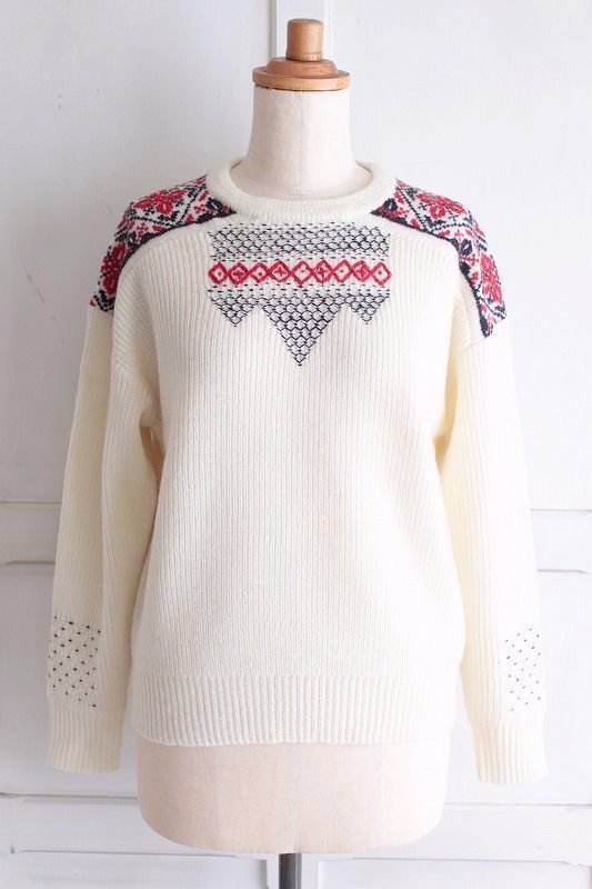 【Sale】【送料無料】nesessaire〈ネセセア〉Hand cross stich pullover WH