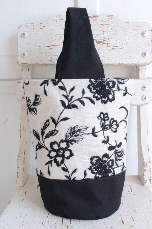 【レターパック発送可】nesessaire〈ネセセア〉ボタニカル刺繍バッグNT