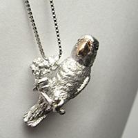 ペット遺骨ペンダント【あなたのペットの姿完全立体型】K18ホワイトゴールド制作例シロハラインコ