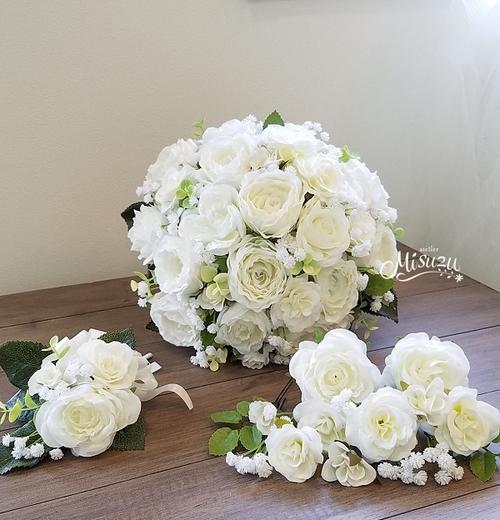 *misuzu*ころころとしたカスミソウがキュート♪ナチュラルラウンドブーケ ・海外挙式・リゾ婚 ブライダル 前撮り ガーデンローズ 091