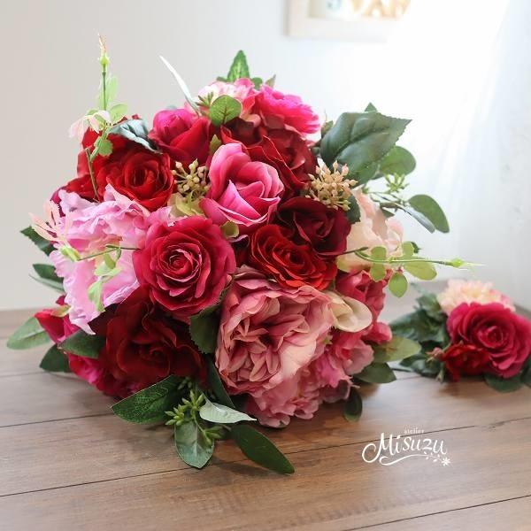 *misuzu141*プレ花嫁必見!ビビッド! レッド&ピンクのナチュラルクラッチブーケ 前撮り パーティ