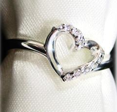 18金 ハート型ダイヤモンドリング 0.06カラット ホワイトゴールド 5号~18号 K18 鑑定書付き ギフト レディース クリスマス 誕生日 プレゼント