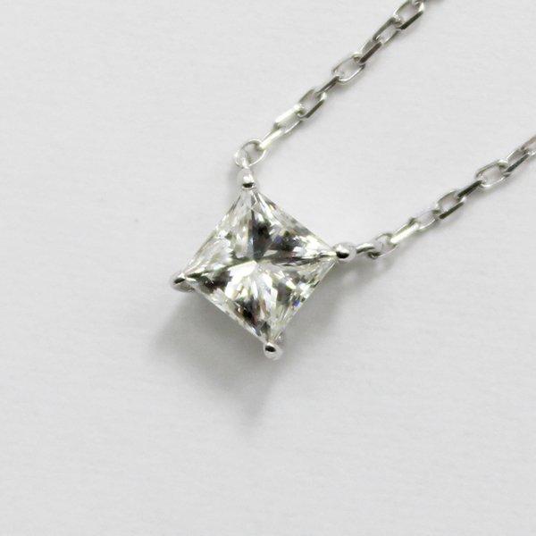 18金ホワイトゴールド0.5ctプリンセスカットダイヤモンドペンダント/ネックレス【代引不可】