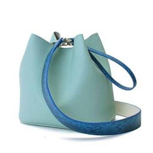 カラフル5色♪柔らか素材の巾着型2Wayショルダーバッグ/ブルー