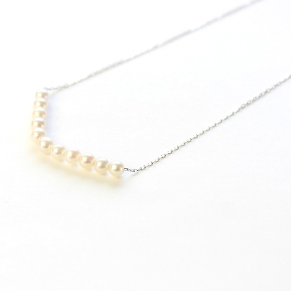 18金 ホワイトゴールド アコヤ真珠 ライン ペンダント【代引不可】
