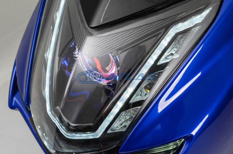 Light Master V4 デイライト ラインLED プロジェクターヘッドライト キット【4TH CYGNUS X】【シグナスX】【LEDヘッドライトバルブ付き】【カラーオーダー】