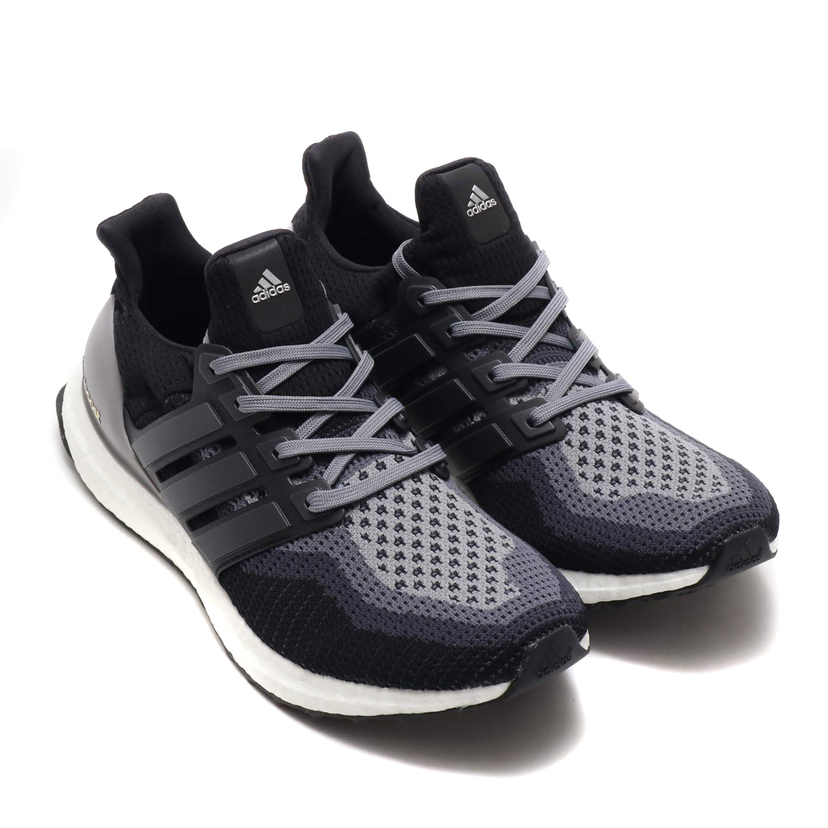 866f1f1a0b9 The ultimate BOOST form deployment model who changes the concept of the  running. I realize unprecedented cushion characteristics and repulsion
