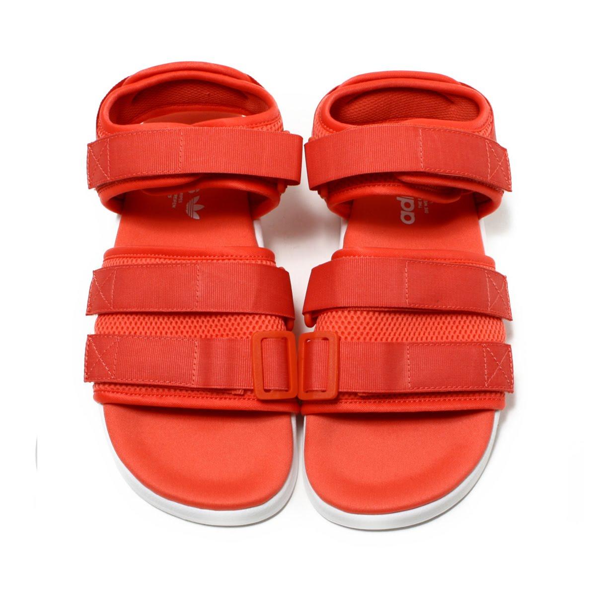 c89aed1970dd adidas Originals Adilette Sandal 2.0W (Adidas originals N M D R1STLT PK W)  Trace Scarlet Running White Running White 18FW-I