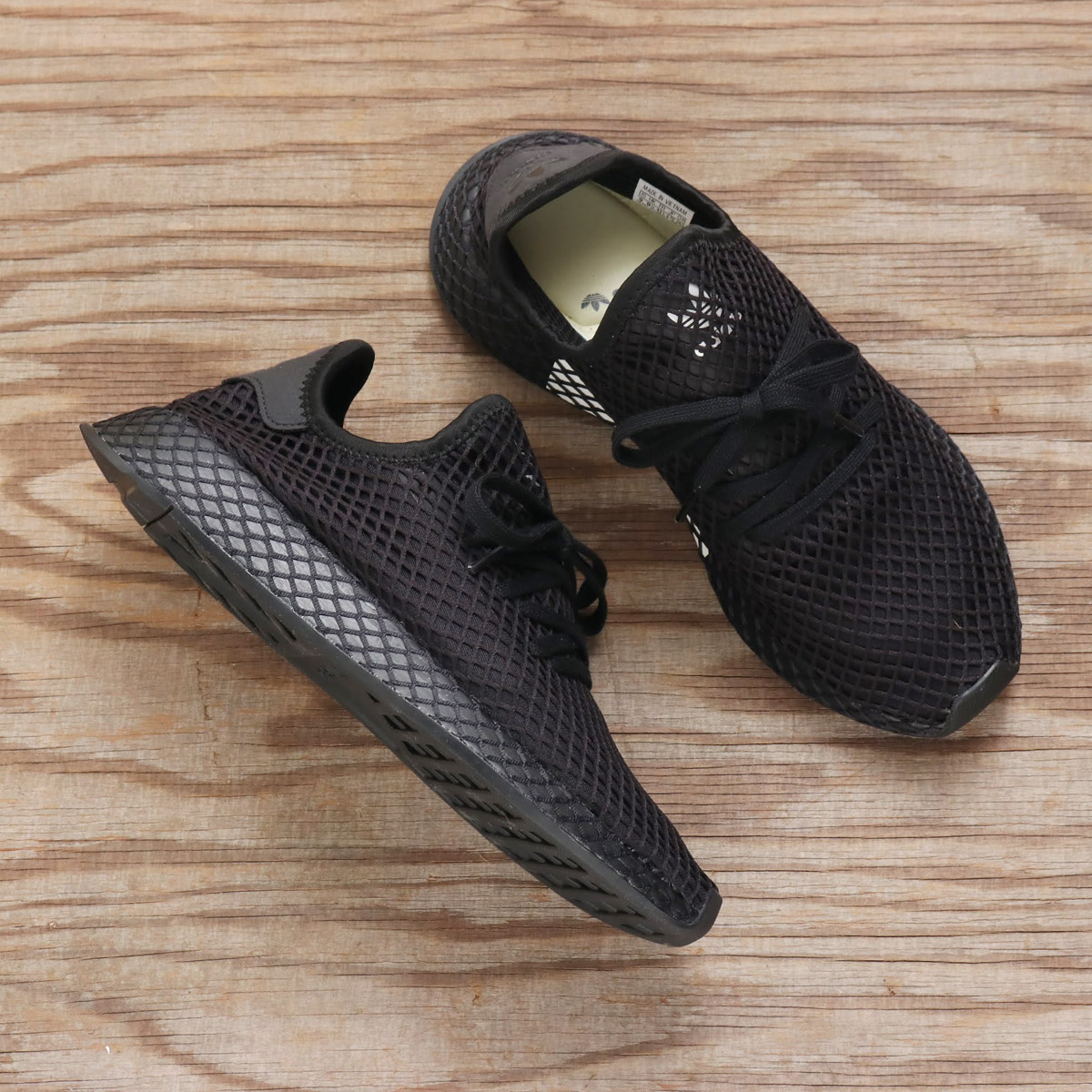 4e975b1e87f30 adidas Originals DEERUPT RUNNER (アディダスオリジナルスディラプトランナー) CORE BLACK CORE BLACK  RUNNING WHITE 18FA-I