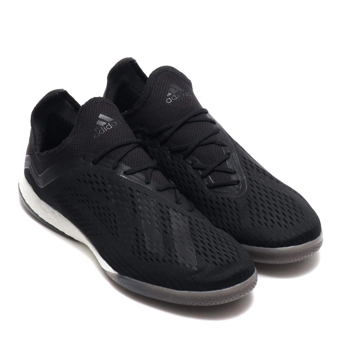 a1ac9f22f I pursue speed and the fashionableness in the street. The soccer shoes  which have the silhouette which is light comfort and Aiko Nic like a model  for the ...