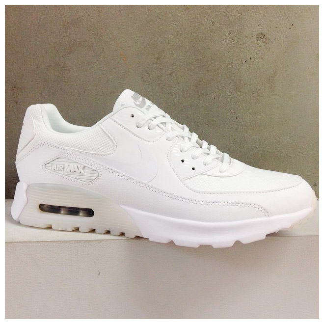 sports shoes 4fcc0 b915f ... 2.0 gs. white metallic silver 62c82 13a97  italy nike wmns air max 90  ultra essential nike womens air max 90 ultra essential hite