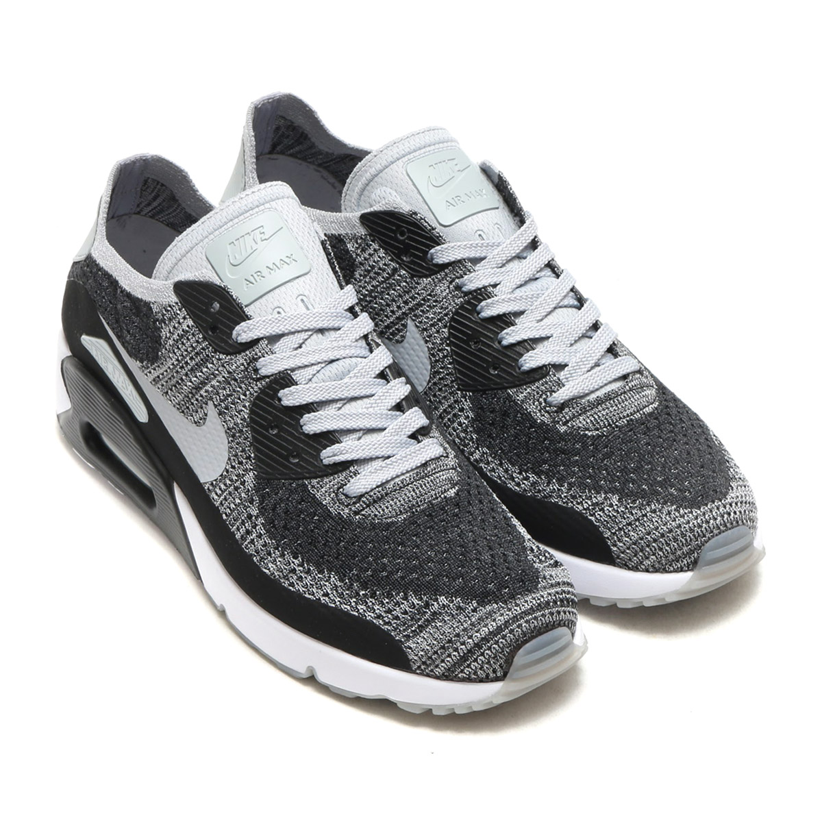It renovates a design and expresses the hommage to Air Max icon. Is  distinguished for the form mid sole which adopt lightness and Flyknit upper  superior in ... f54e846a74