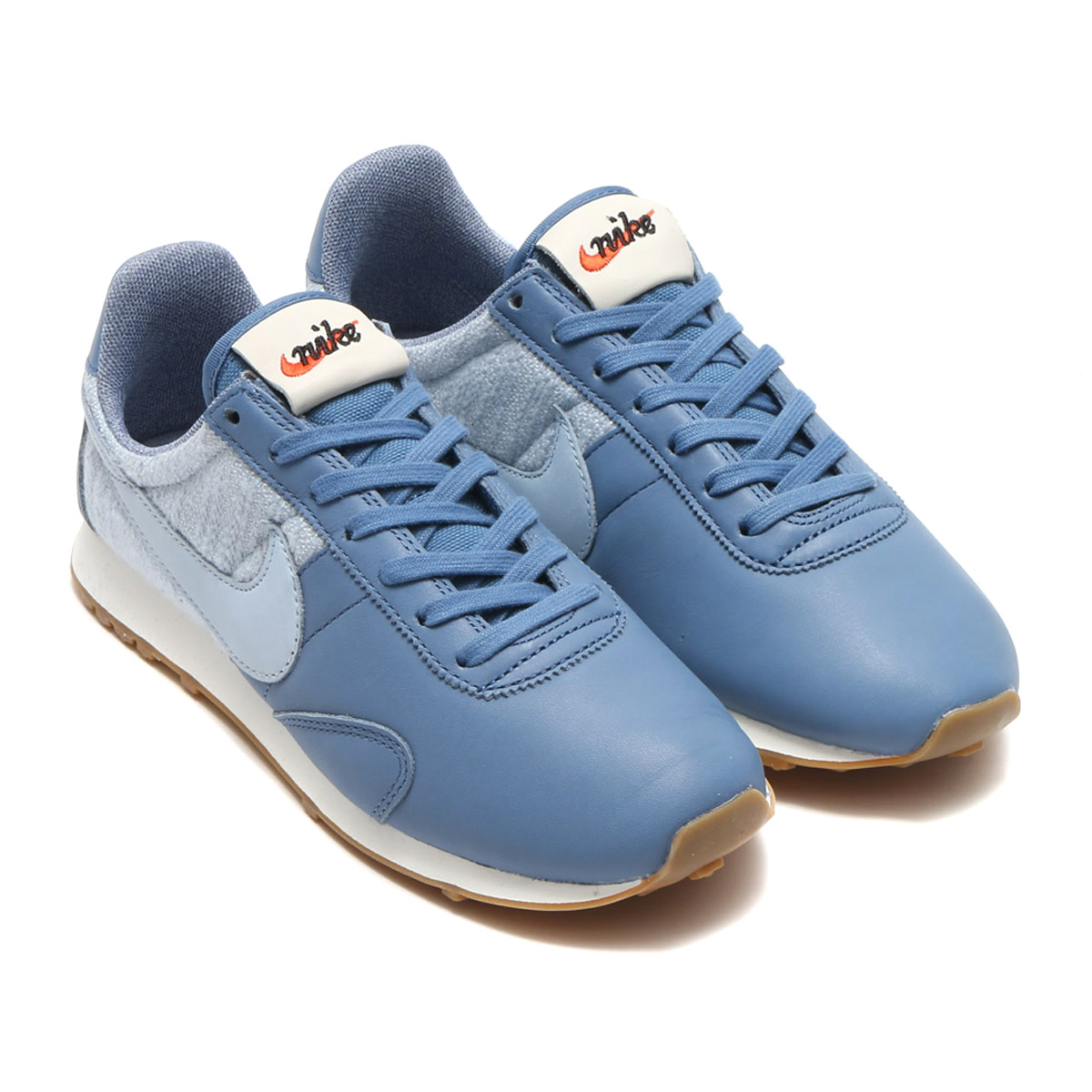 9455aaa37133d The design that the upper of the Nike women pre-Montreal racer vintage  textile was developed as one of the spikes for the Nike's first land.