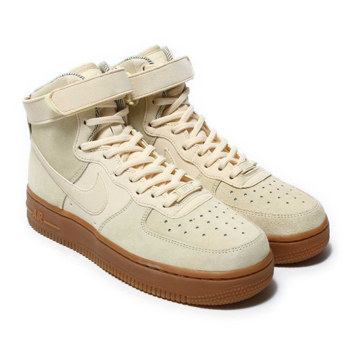 Nike women air force 1 HI SE remakes a constant seller of the hard court of  1982. Upper of the stylish good quality material that garnished an ankle  with ... 2a0d07309d