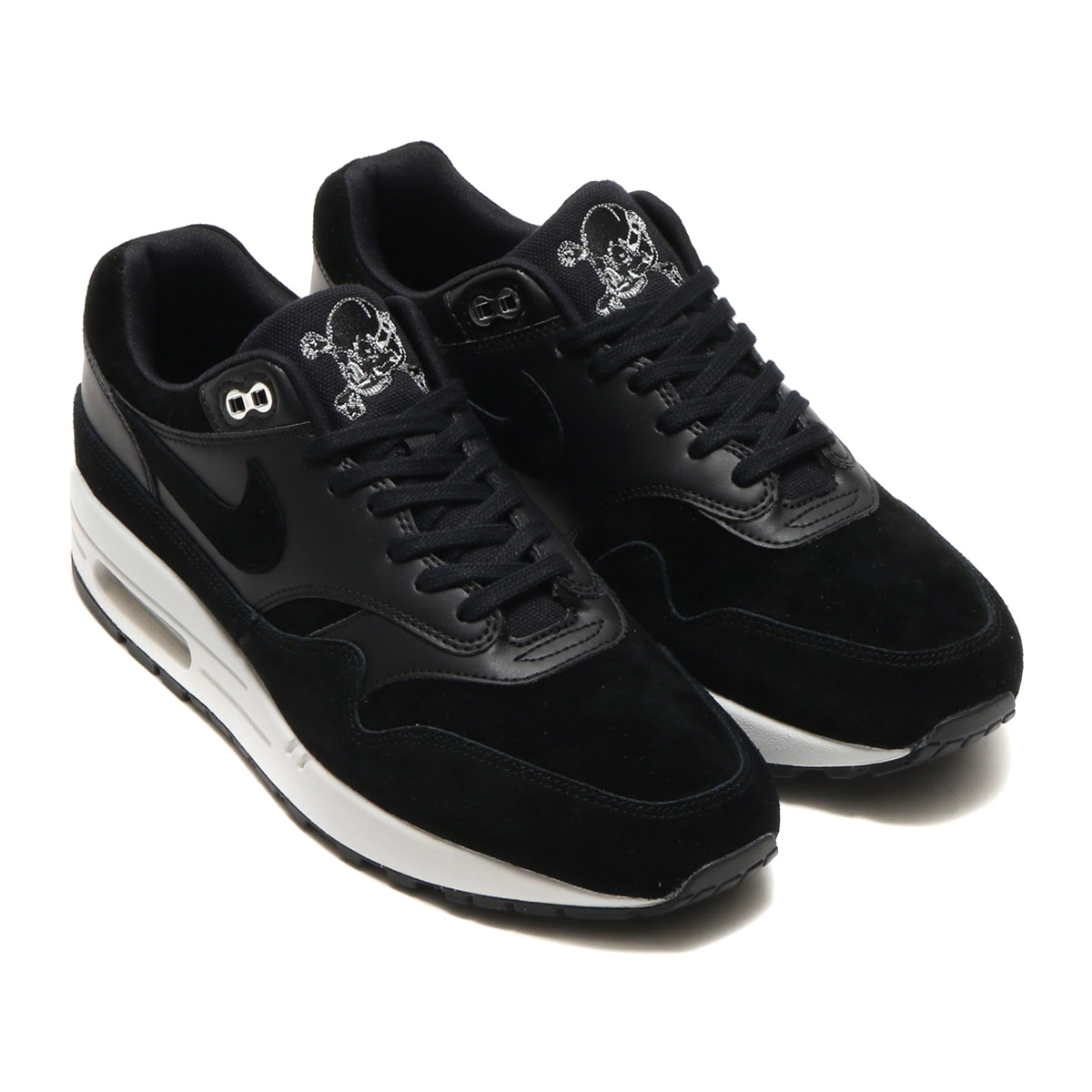 size 40 cd152 e5978 The recreation which let an edge work by a bold color with the feeling  premium as for classic Air Max 1. Black suede and leather shine in mid sole  of the ...