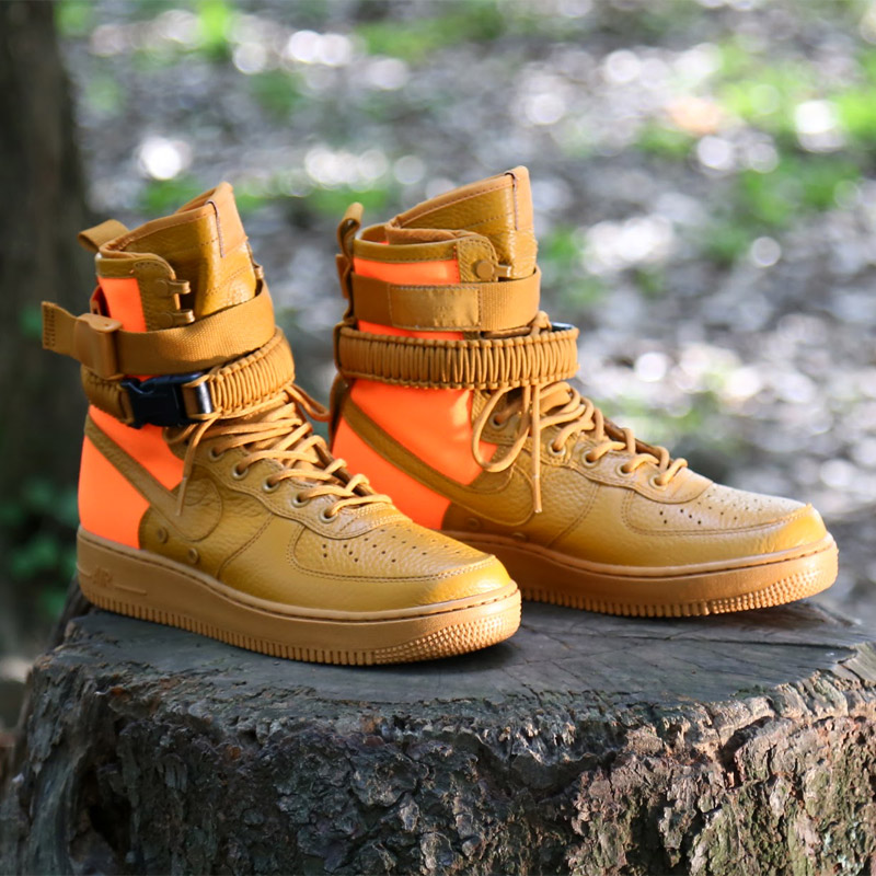 The moment when special field air force 1 which got a hint to the special  field boots which regarded functionality as most important was dramatic, ...