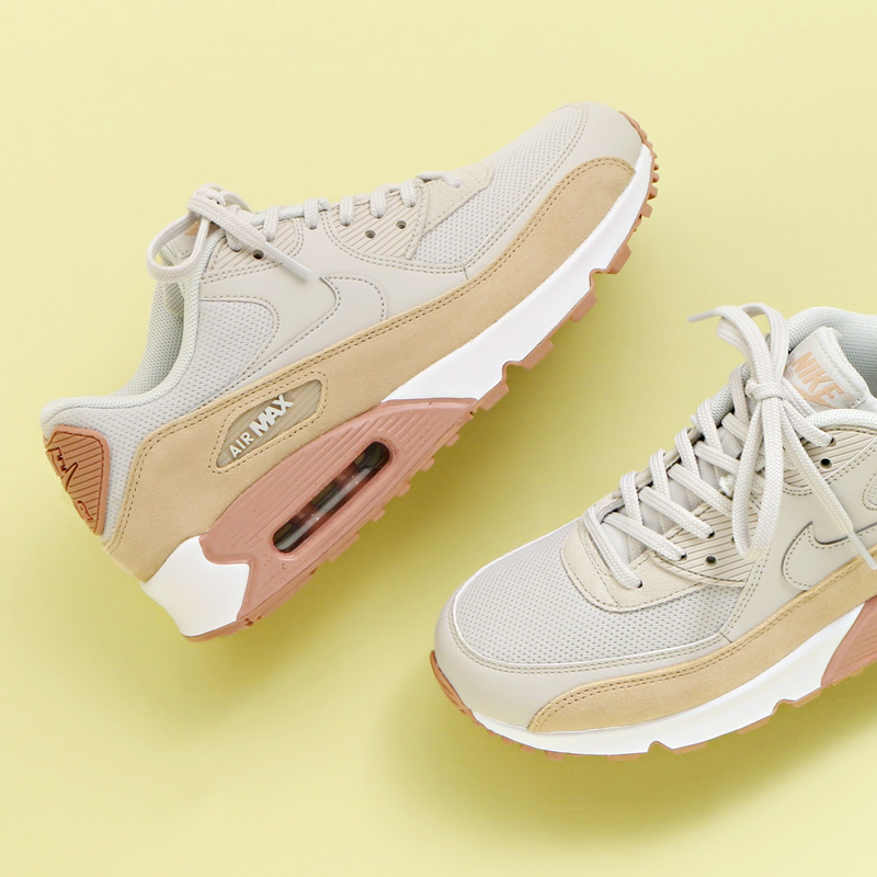 atmos pink  NIKE WMNS AIR MAX 90 (Nike women Air Max 90) (LIGHT  BONE MUSHROOM-PARTICLE PINK-WHITE) 17HO-I  bfda689dd6