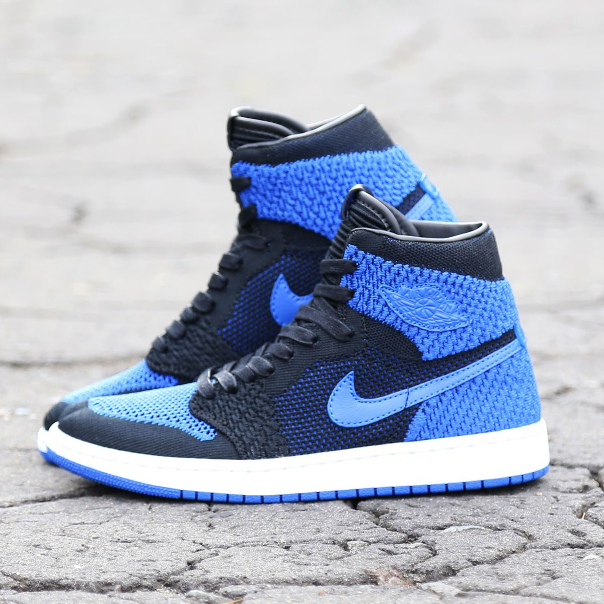 da482c65550 Air Jordan 1 who appeared in 1985 recorded totally new wind on a coat. As  series of Air Jordan is established, the designs using the best material at  the ...