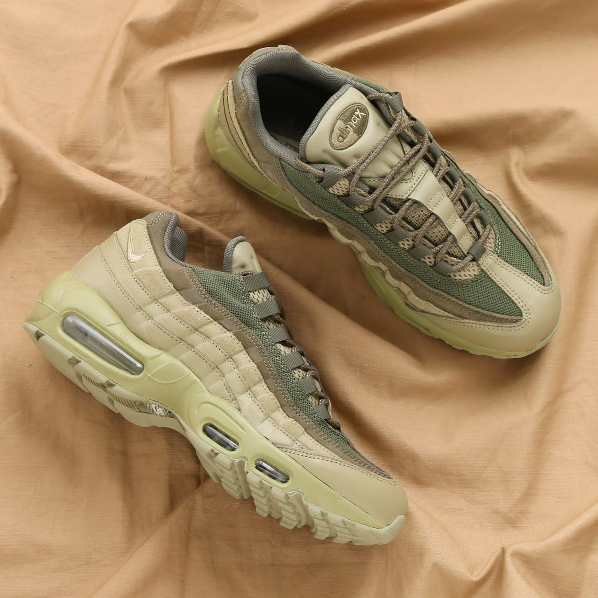 NIKE AIR MAX 95 PRM(ナイキ エア マックス 95 プレミアム)(NEUTRAL OLIVE/NEUTRAL OLIVE-MEDIUM OLIVE)18SP-S