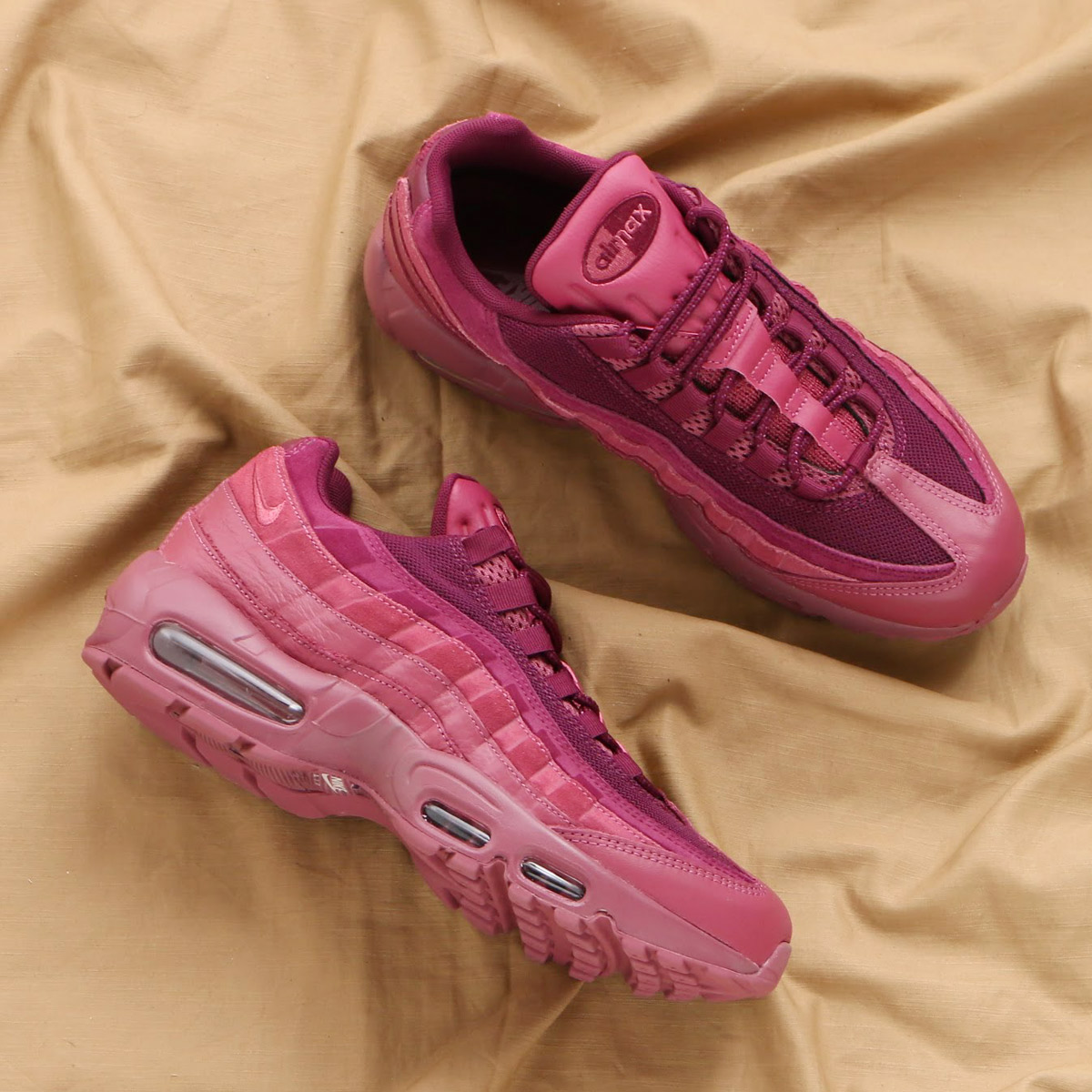 a45e6fb80618 maximum point 10 times that is targeted for all articles! NIKE AIR MAX 95  PRM (Kie Ney AMAX 95 premium) (VINTAGE WINE VINTAGE WINE-BORDEAUX) 18SP-S