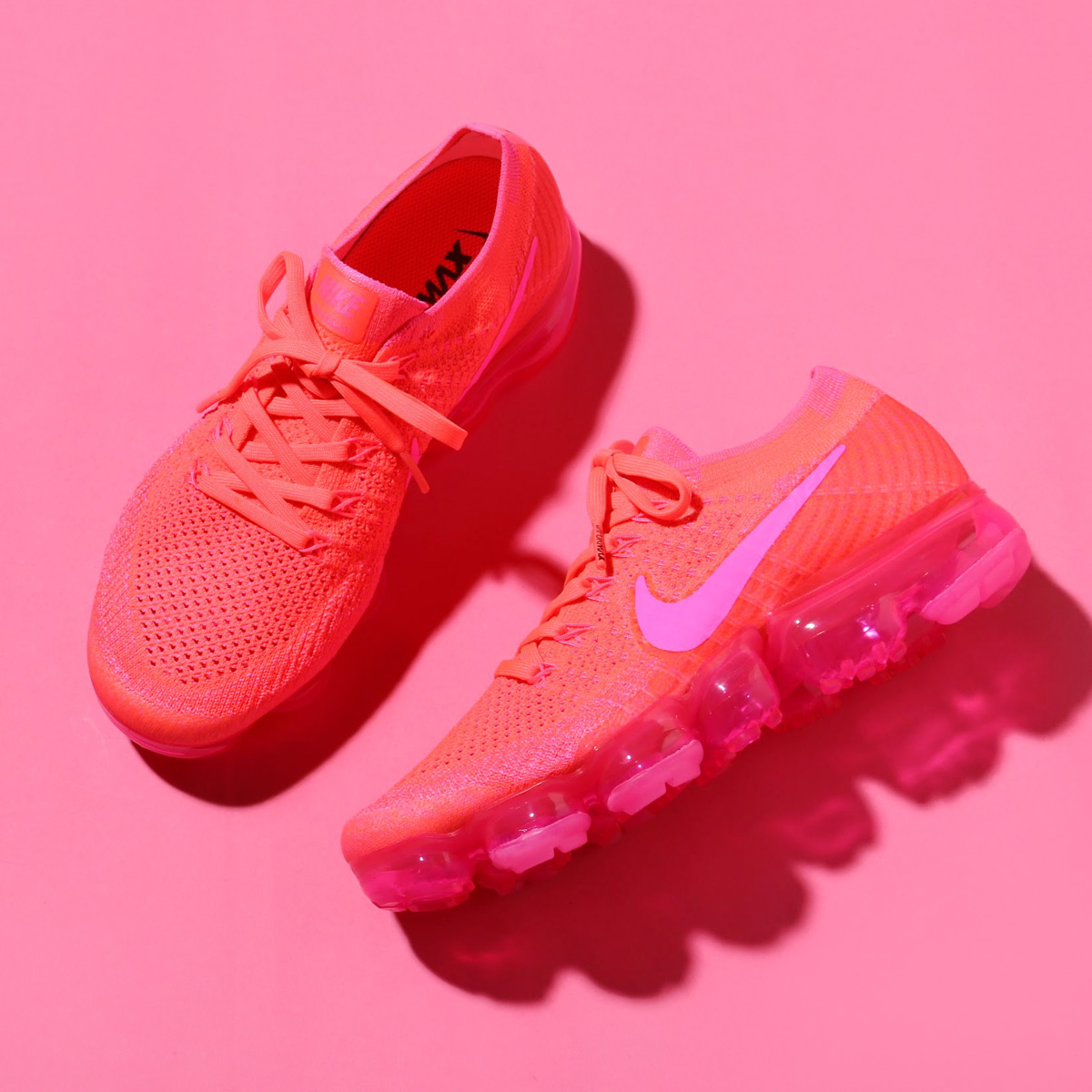 6811256ae909 NIKE WMNS AIR VAPORMAX FLYKNIT (Nike women air vapor max fried food knit)  (HYPER PUNCH PINK BLAST-HOT PUNCH-BLACK) 18SP-S