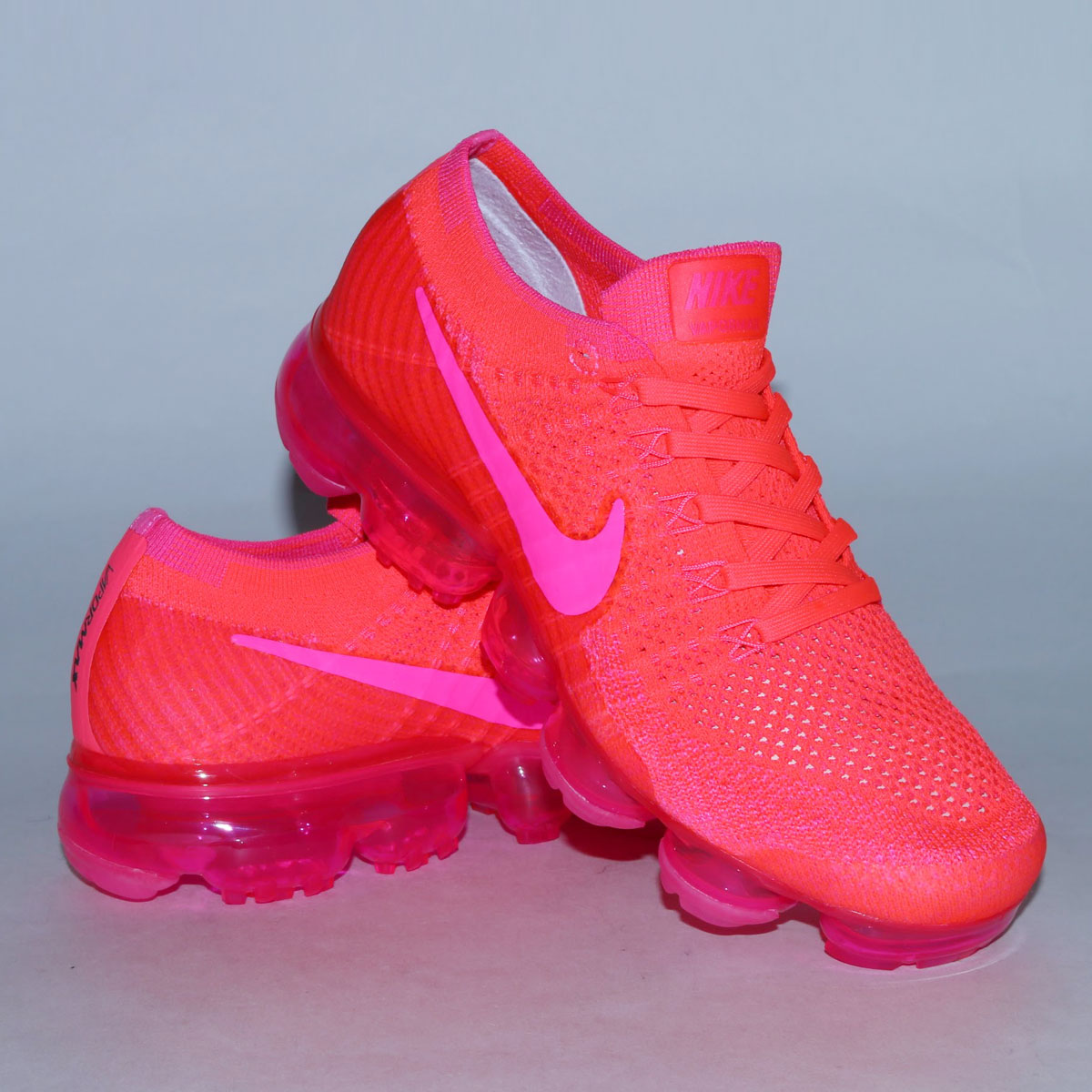 887c895bb71b5 NIKE WMNS AIR VAPORMAX FLYKNIT (Nike women air vapor max fried food knit) (HYPER  PUNCH PINK BLAST-HOT PUNCH-BLACK) 18SP-S