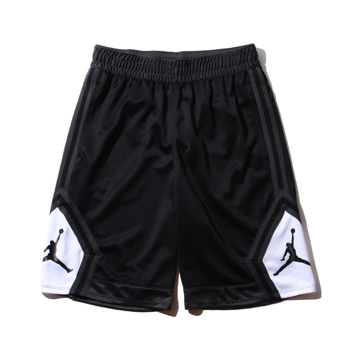 b4f1b53dd68 Basket shorts of the DRI-FIT warp knit (100% of polyester) material  adoption.