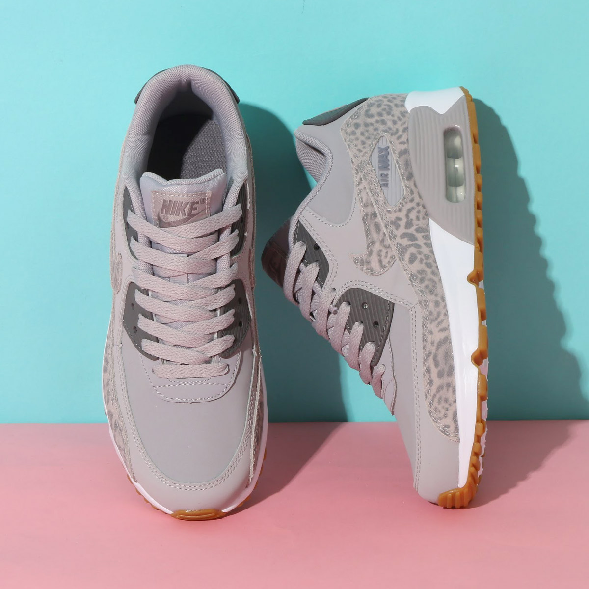 atmos pink  NIKE AIR MAX 90 LTR SE GG (Kie Ney AMAX 90 leather SE GS)  (ATMOSPHERE GREY GUNSMOKE-WHITE) 18SP-I  eced2249863d