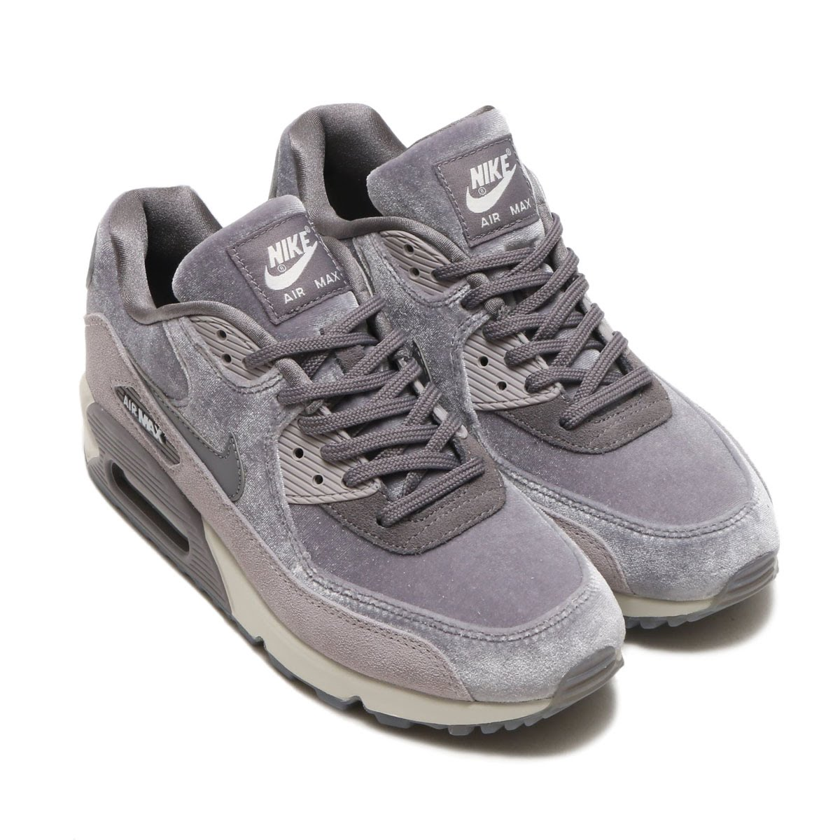 3adaaa5945a Air Max 90 comes up three years after bithe bulldog Air was born. More than  the limit called shoes for the basketball
