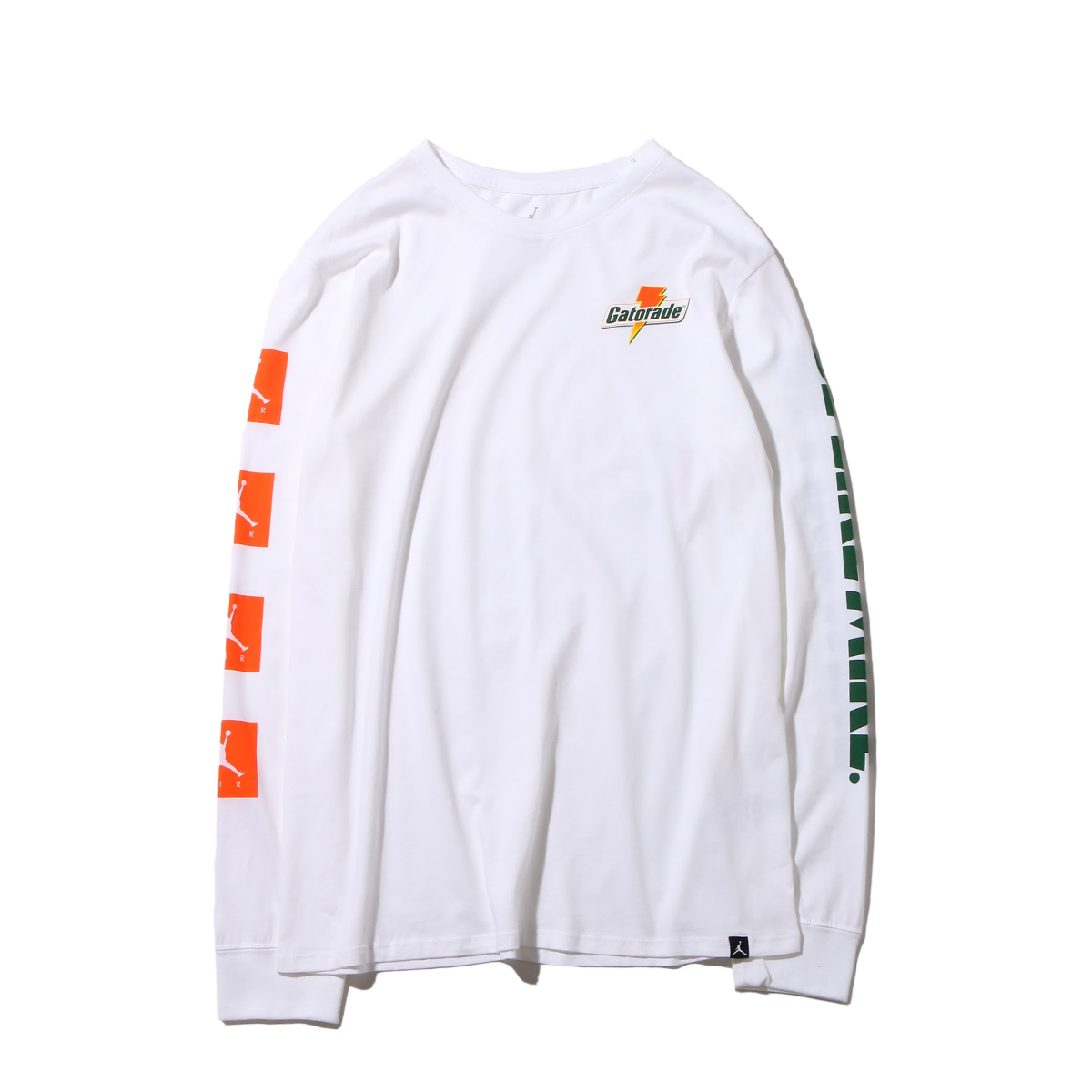 ee144037891b Crew neck L S T-shirt of the cotton jersey material adoption. It is graphic  of