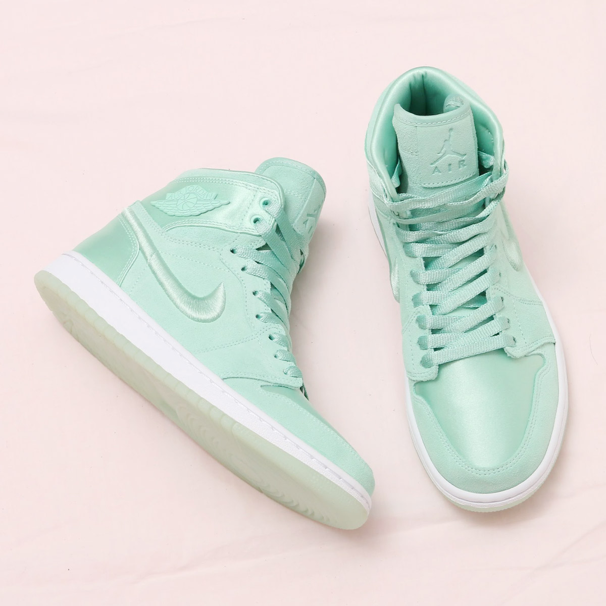 NIKE WMNS AIR JORDAN 1 RET HIGH SOH(ナイキ ウィメンズ エア ジョーダン 1 レトロ ハイ SOH)(MINT FOAM/WHITE-METALLIC GOLD)18SP-S