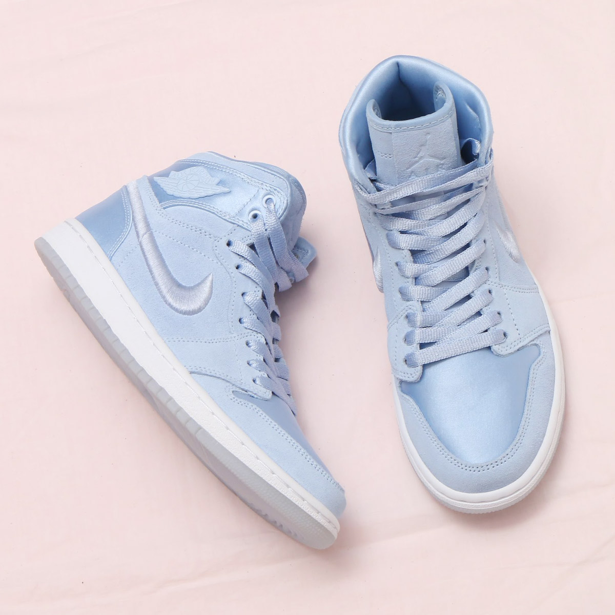 73eedb2944033d NIKE WMNS AIR JORDAN 1 RET HIGH SOH (Nike women Air Jordan 1 nostalgic high  SOH) (HYDROGEN BLUE WHITE-METALLIC GOLD) 18SP-S