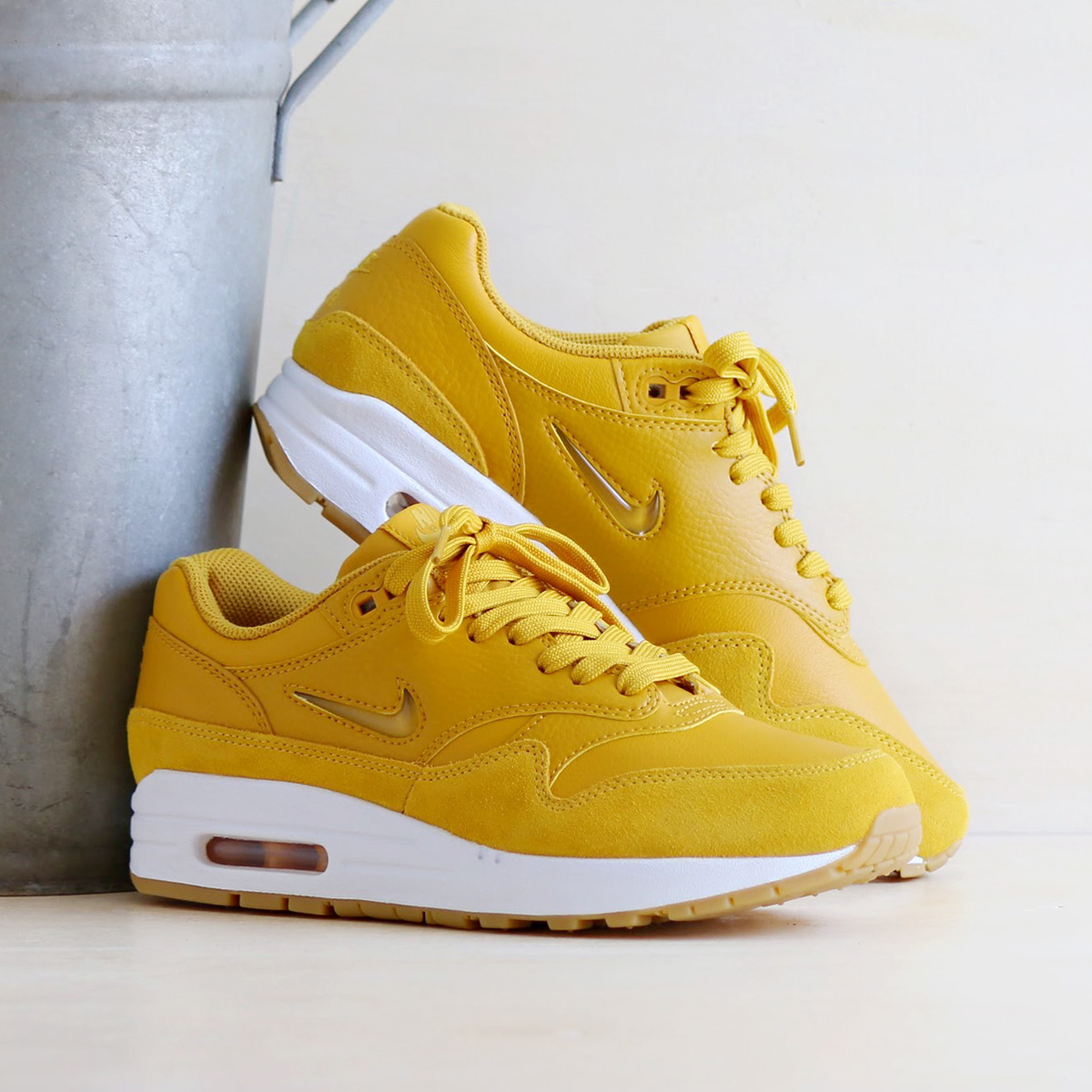 low priced f94b9 edfce Categories. « All Categories · Shoes · Men s Shoes · Sneakers · NIKE W AIR  MAX 1 PREMIUM SC ...