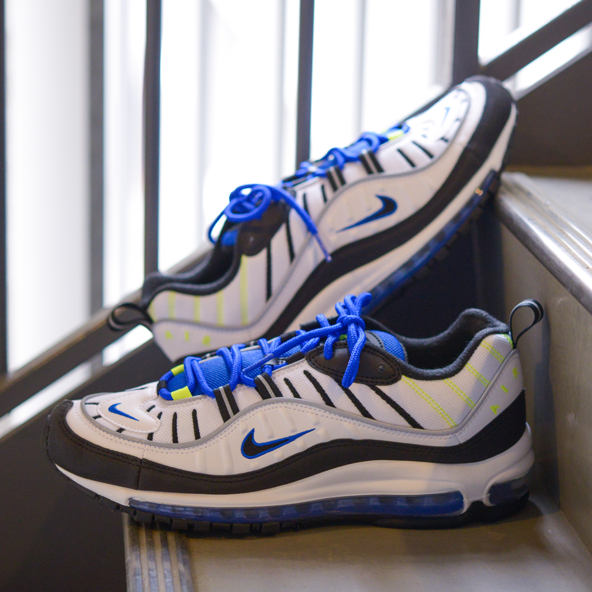 NIKE AIR MAX 98(ナイキ エア マックス 98)(WHITE/BLACK-RACER BLUE-VOLT)18SU-S