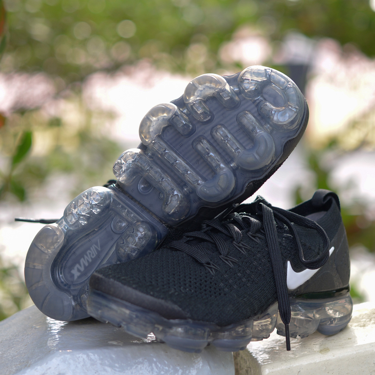 1518f29c4f0e8 NIKE W AIR VAPORMAX FLYKNIT 2 (Nike women air vapor max fried food knit 2)  BLACK/WHITE-DARK GREY-METALLIC SILVER 18SP-S