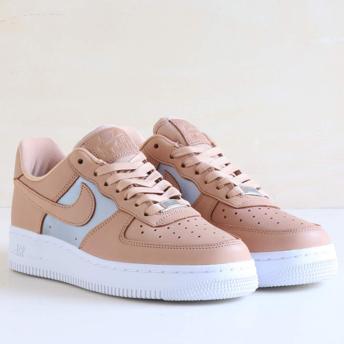 purchase cheap d7f70 3c270 NIKE W AIR FORCE 1  07 SE PRM (Nike women air force 1 07 ...