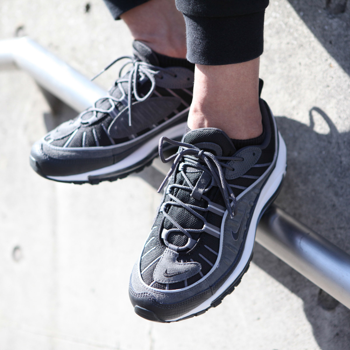 NIKE AIR MAX 98 SE(ナイキ エア マックス 98 SE)(BLACK/ANTHRACITE-DARK GREY-WHITE)18SU-S