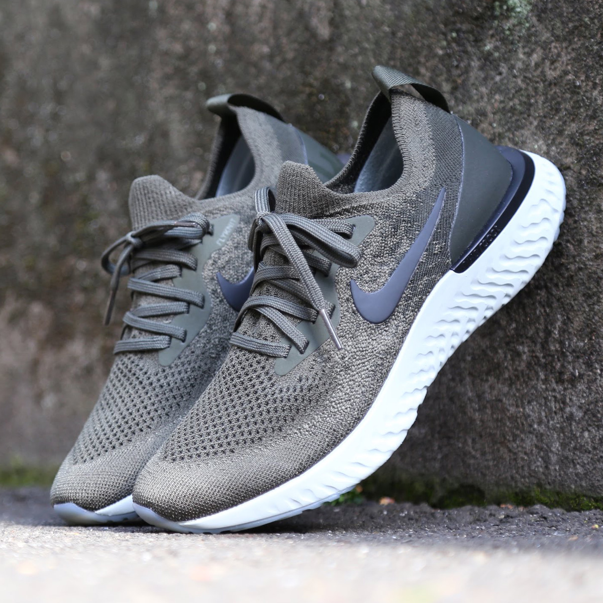 b6139c093281d NIKE WMNS EPIC REACT FLYKNIT (Nike women epic re-act fly knit) (CARGO  KHAKI BLACK-SEQUOIA-LIGHT SILVER) 18SU-S