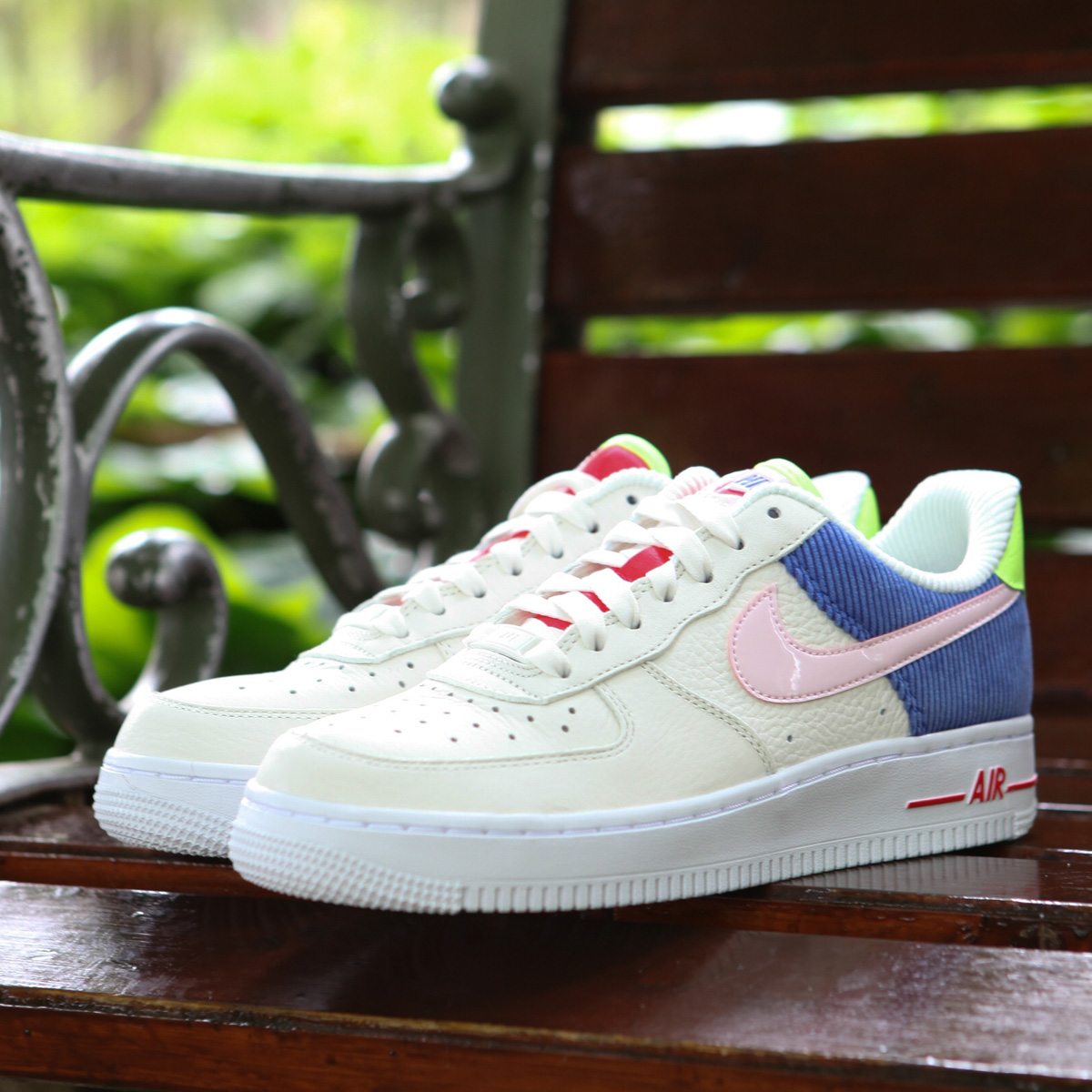 save off cb3df f3bea NIKE W AIR FORCE 1 LO (Nike women air force 1 LO) (SAIL ARCTIC PINK-RACER  BLUE) 18SU-S