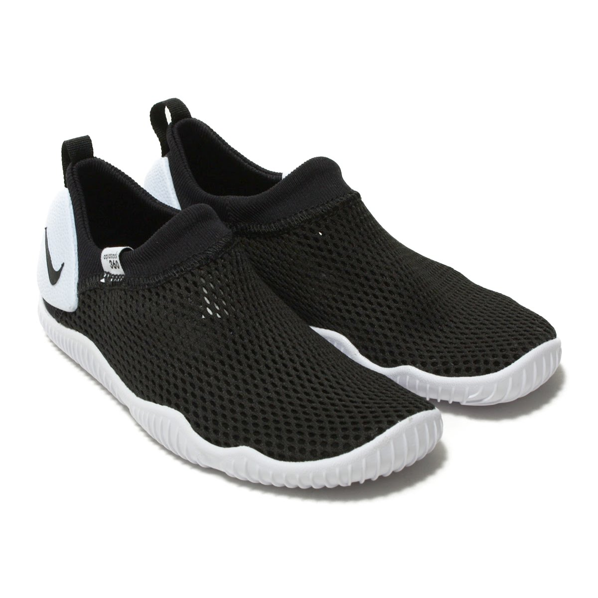 5d3e99b8fb アクアソック which came up as shoes for outdoor in 1985. The model who let  hi-tech sneakers developed for aquatic sports changed the material of the  upper ...
