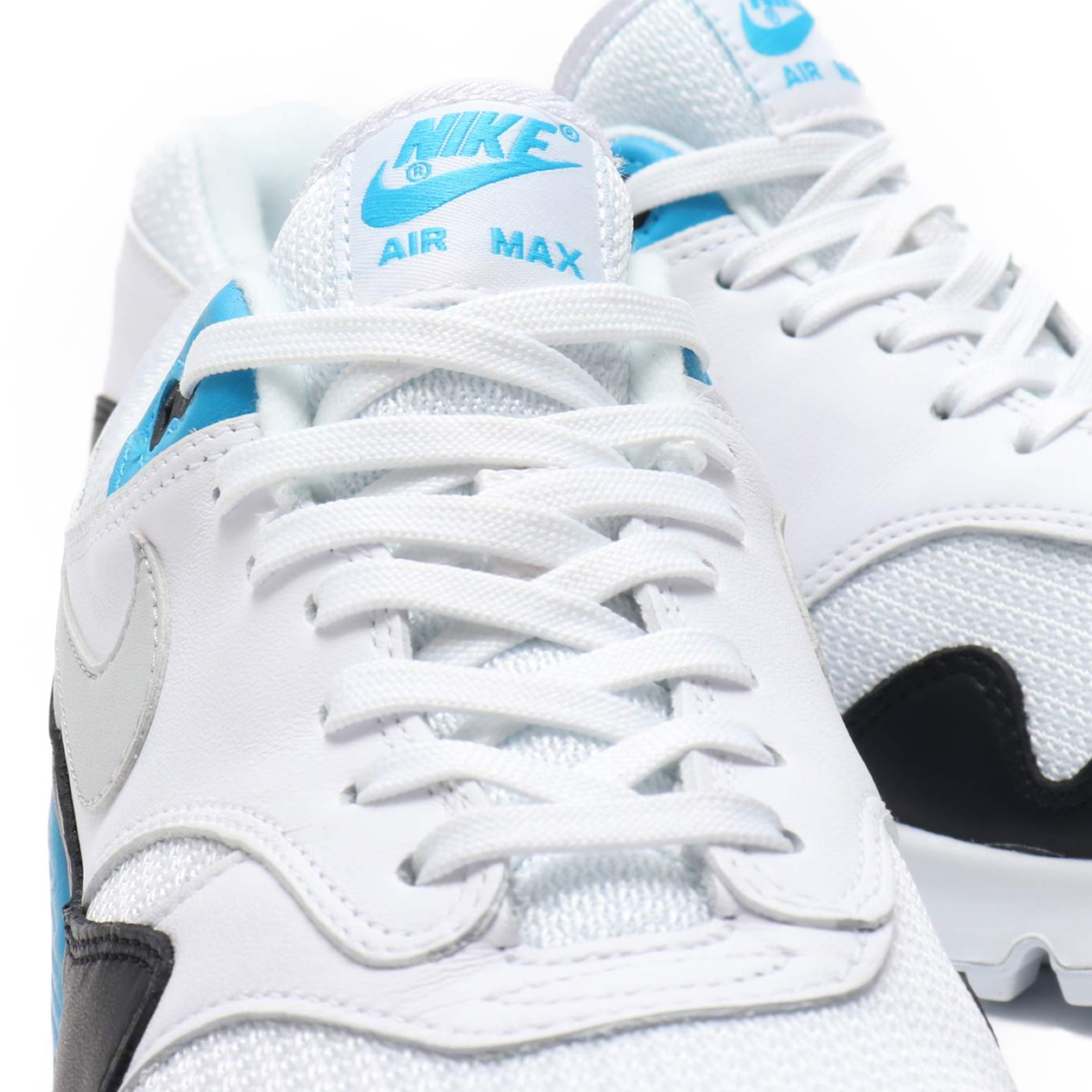 online retailer f37f5 fa985 NIKE AIR MAX 90 1 (Kie Ney AMAX 90 1) (WHITE NEUTRAL GREY-BLACK-LASER BLUE)  18FA-S