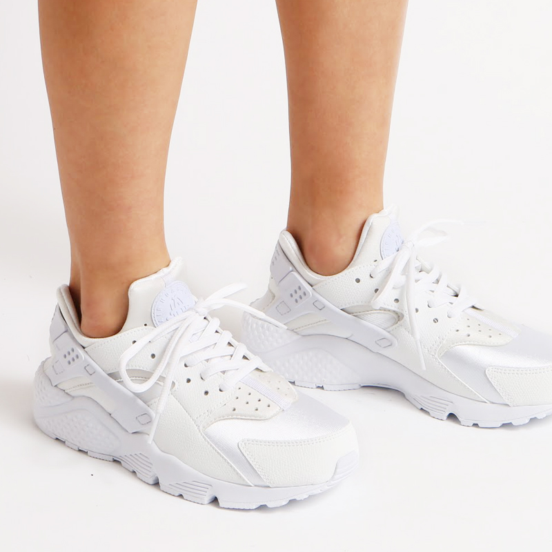 4f131fdab9e8 NIKE WMNS AIR HUARACHE RUN (Nike wmns air halti ran) WHITE WHITE 16SP-I